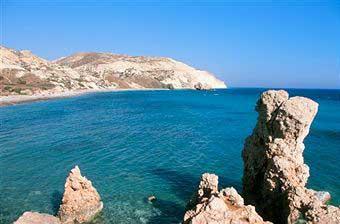 Sunny Cyprus Holidays: The Year-Round Affair