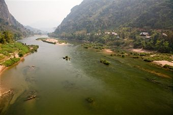 laos-mekong-river