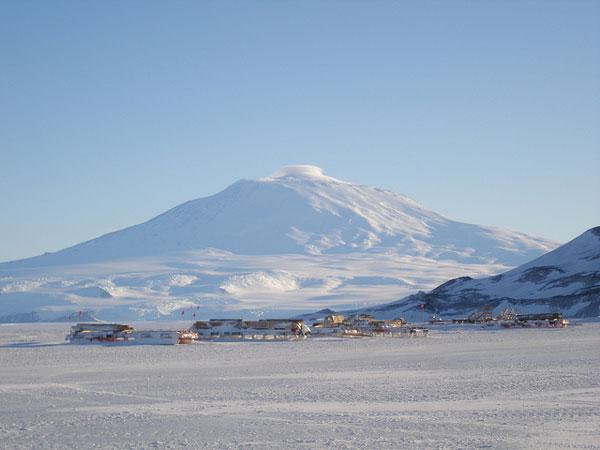 mount-erebus-antarctica