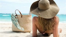 woman-traveling-alone